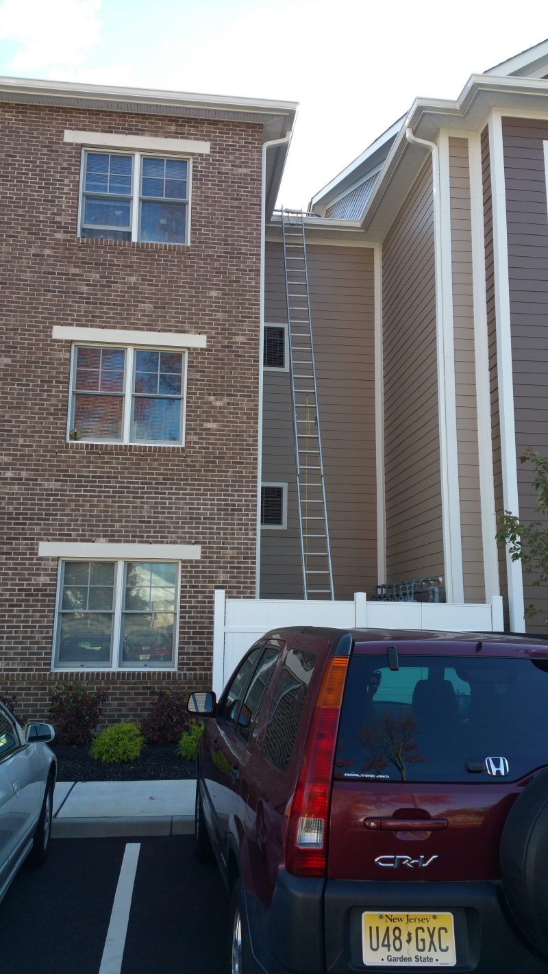 NJ APARTMENT COMPLEX GUTTER CLEANING